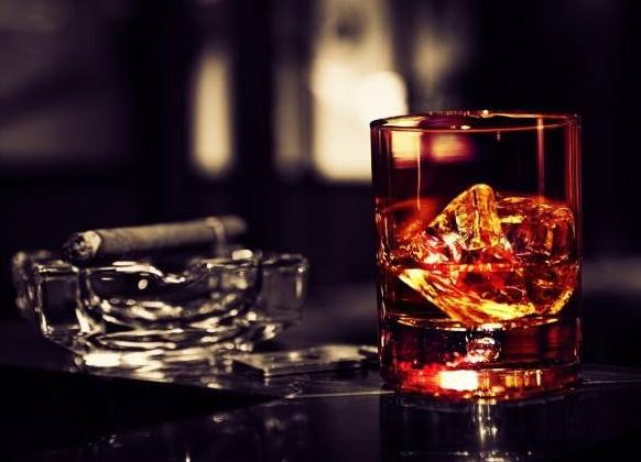 不合格产品疑蹭茅台王子酒商标